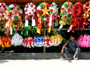 Parol stands began to appear along the sides of the roads, a decoration all their own!